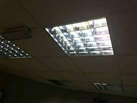 32 MODULAR LIGHT FITTINGS