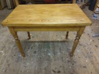 Pine dining table with drawer