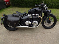 TRIUMPH BONNEVILLE BOBBER 1200 2017 very low miles one owner from new