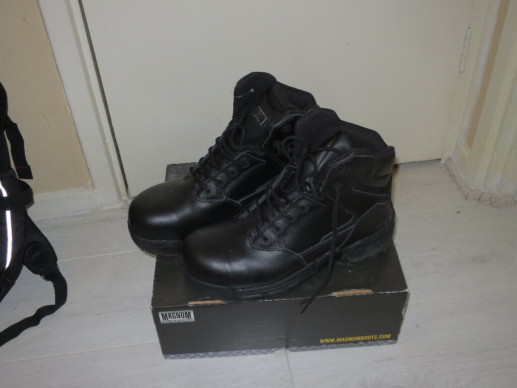 Size 9 (43 euro) Men's Magnum protective boots