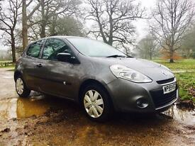 Stunning Renault clio with low mileage impeccable condition
