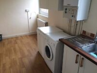 LOVELY DOUBLE ROOM TO RENT IN ARCHWAY LOCATION MOMENTS AWAY FROM TUBE STATION. 4B
