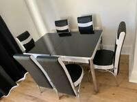 EXTANTEBLE DINING TABLE WITH 6 CHAIRS
