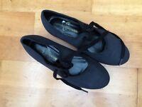 Dance shoes-tap shoes size 1