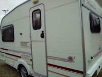 Swift lynmere 2 berth 2000 caravan full awning with moter mover no damp