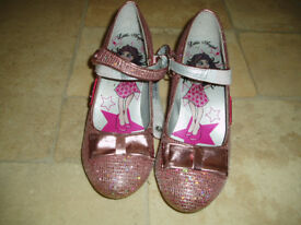 girls pink sprakly shoes with heel