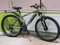 Edinburgh cadence 2 Bike