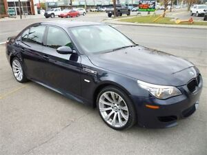 2008 BMW M5 LEATHER/SUNROOF/NAVIGATION/ALLOYS/1 OWNER CAR!