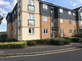 2 bedroom flat to rent in Staines