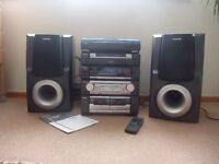 Compact Disc Stereo Sytem/speakers/turn table AIWA Z-R880