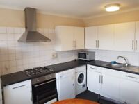 Newly redecorated 3 bedroom maisonette in Zone 1 within 5 minutes walk from Transport and shops