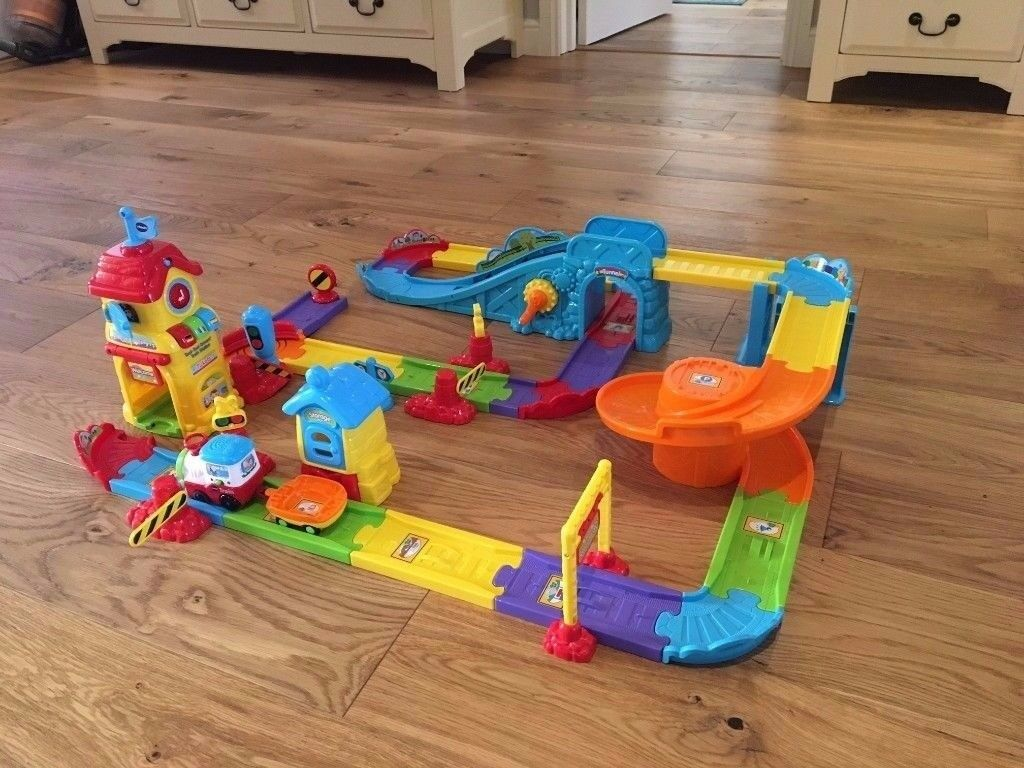 VTech Baby Toot-Toot Drivers Motorised Train Station