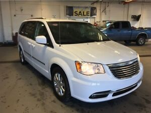 2016 Chrysler Town & Country Touring | Cloth | Power Doors | DVD