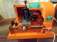 Mancuna 800 Key Cutting Machine