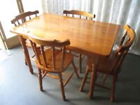 RECTANGULAR PINE FARMHOUSE STYLE DINING TABLE WITH FOUR MATCHING DINING CHAIRS FREE DELIVERY