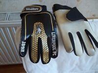 LFC goalie gloves