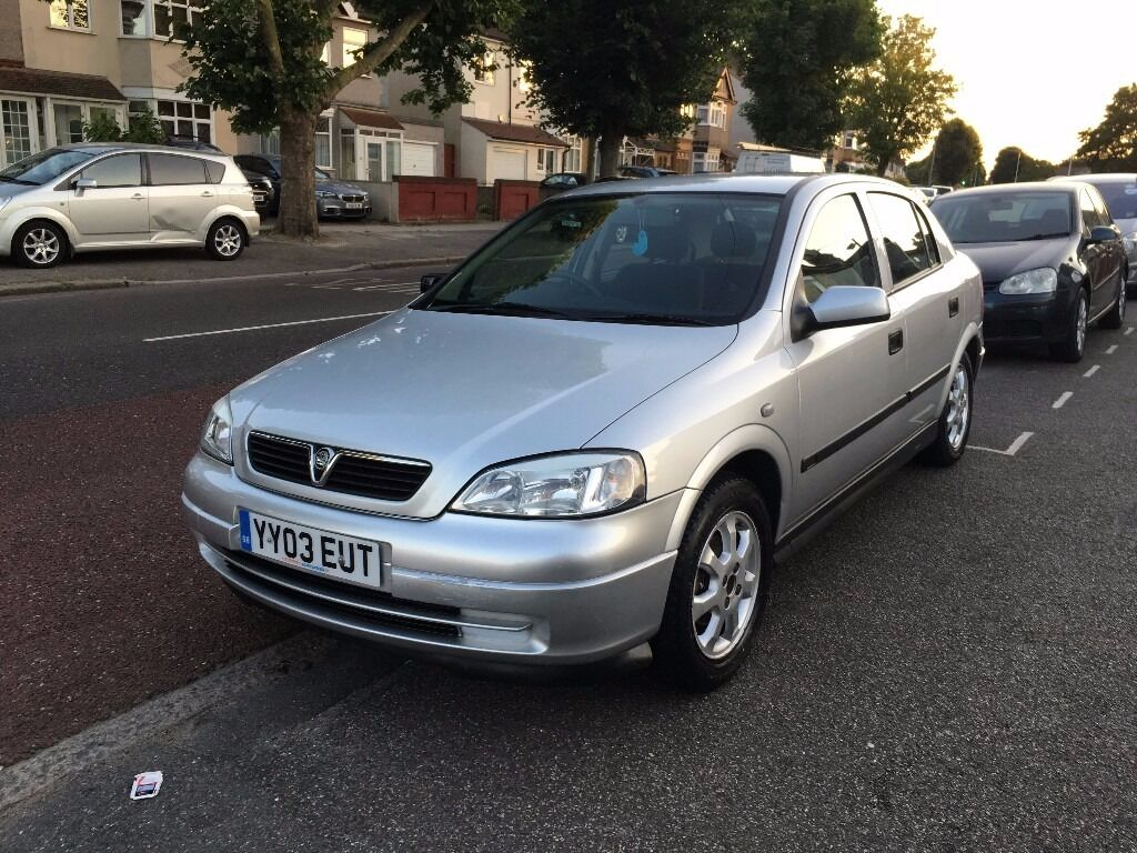 2003 vauxhall astra silver automatic low mileage 30 k. Black Bedroom Furniture Sets. Home Design Ideas