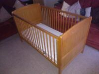 BABYLO TOSCANA OAK COT BED/MAMAS & PAPAS SLEEPFRESH MATTRESS - PET/SMOKE FREE HOME