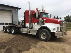 2012 Kenworth T800 tridrive winch truck