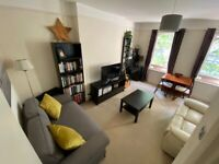 LARGE SUNNY 1-BED CHISWICK FLAT IN ATTRACTIVE 4-STOREY VICTORIAN HOUSE, CLOSE TO ALL AMENITIES