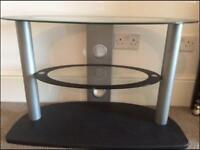 TV TABLE IN GREAT CONDITION