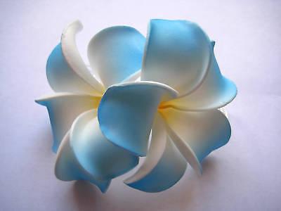 Neu Hawaii Braut Hochzeitsfeier Schaum 2-flower Haarspange Blau Weiß Plumeria