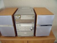 Panasonic DVD Stereo System model SC-PM39D 5- disc with remote control