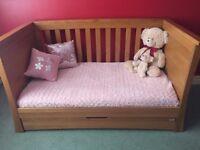 Mamás & Papas Ocean Cot/Junior Day Bed