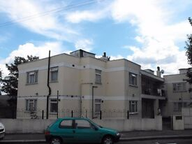 WALTHAMSTOW E17 - LOVELY TWO BEDROOM FIRST FLOOR FLAT - VILLAGE BORDERS - MOVE IN FOR XMAS - £323 PW