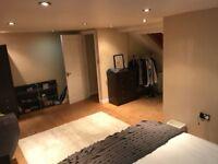 Large, top floor double room with en suite