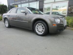 2010 Chrysler 300 TOURING W/ LEATHER PWR GROUP AUX PORT