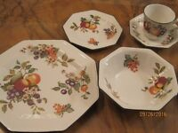 30 piece Dinner Service by Johnson Brothers FRESH FRUIT Pattern RETIRED. NEVER USED