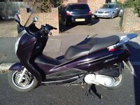 2009 Honda S-Wing 125 automatic maxi scooter, new 1 year MOT, very good runner, use on cbt, bargain,