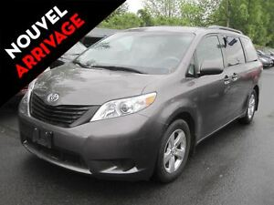 2014 Toyota Sienna LE V6 AC MAGS