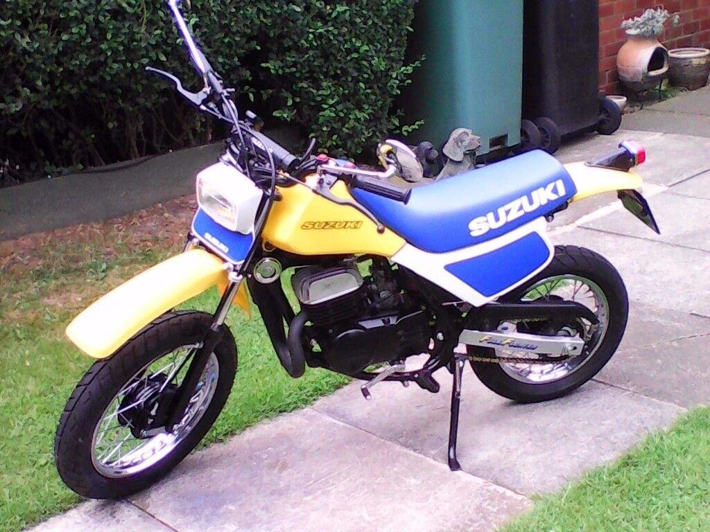 suzuki 80 cc road or dirt bike bike.may class as monkey bike.