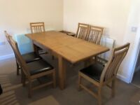 SOLID HEAVY OAK TABLE AND 6 CHAIRS AWAITING SOMEONE TO PICK UP ((SOLD))