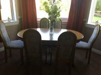 For sale - Dinning Room Table and six chairs.