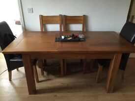 Toulouse Extendable Dining table with 6 chairs