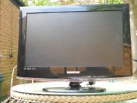 TELEVISION GOOD WORKING ORDER SAMSUNG 19ins WITH -REMOTE & MANUAL HDMI SKTS & MANY MORE