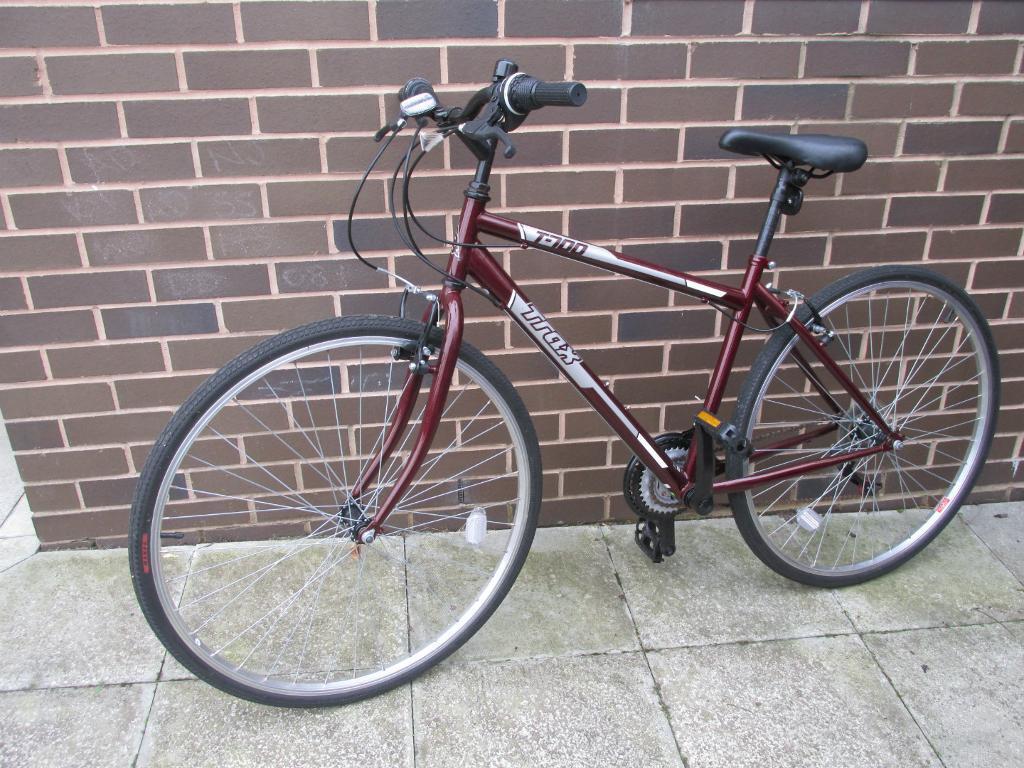Trax T700 Hybrid Bike 18 Dark Red In Everton Merseyside