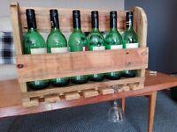 Six bottle wine rack .