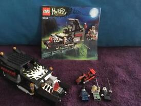 Lego monster fighters hearse and grave yard sets 9464,9465