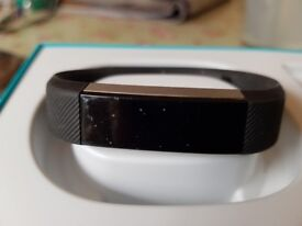 Fitbit alta, black, size L/G fitness wristband. Collect from Mulbarton.