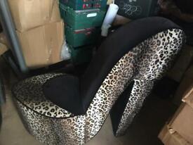 Stilletto chair