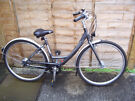 Ladies Giant Expression Nexus 7 speed Bicycle in Lovely Condition (small)