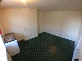 1 BEDROOM STUDIO * NEWLY REFURBISHED * ARMLEY * PAISLEY STREET *ZERO DEPOSIT * DSS WELCOME!