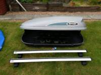 Roofbox and thule rails