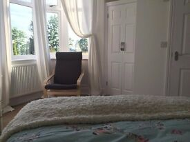 Modern Boutique City Centre Apartment & Large Rooms to Rent Wifi Parking & Bills Incl from £130 pw