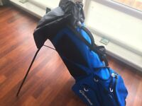 Taylormade Flextech Stand Bag - like new, used for 1 round in perfect dry conditions
