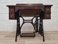 Singer Sewing Machine (DELIVERY AVAILABLE)